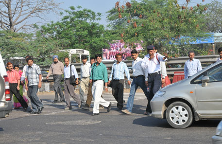Things to pay special attention on road safety- Tips for Pedestrians